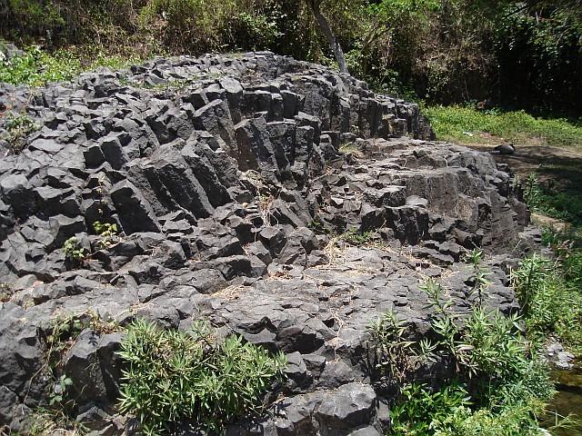 Basalt Rock Gardening : A walk to the river palo gacho part